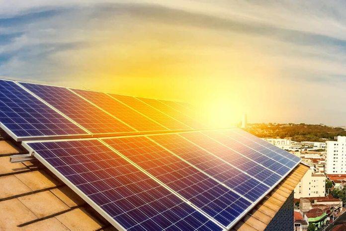¿Cuántas placas solares son necesarias para el aire acondicionado?