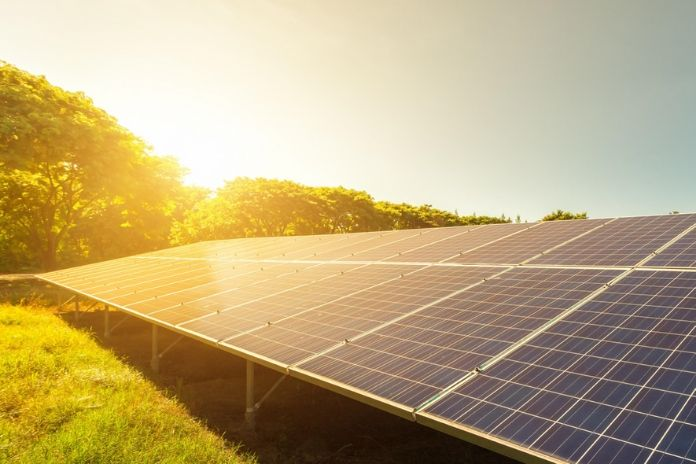 ¿Cuánto duran los paneles solares?